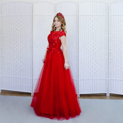 Фатиновое Красное  платье в пол декорировано цветами