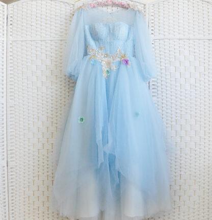 Небесно-голубое бальное платье в пол