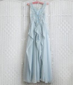 Нежно-голубое платье в пол