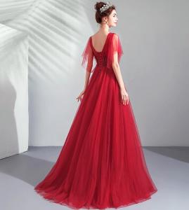 Изящное Вечернее платье шикарного красного цвета