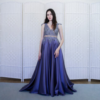 Атласное фиолетовое платье в пол