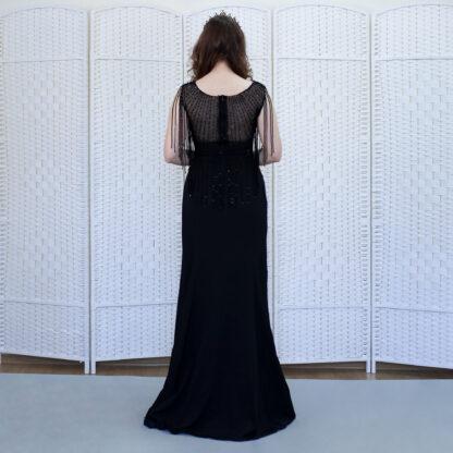 Черное облегающее платье