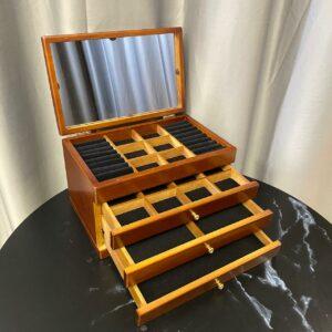 Деревянная шкатулка для украшений, 3 секции