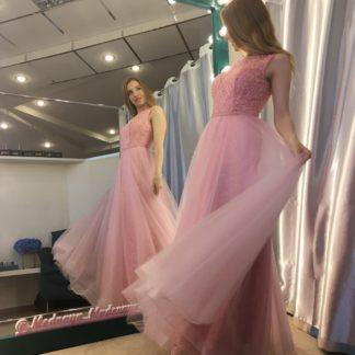 Розовое платье с бисерным верхом