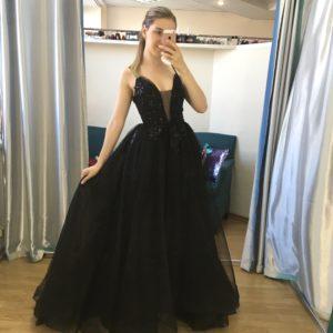 Платье на выпускной вечер черного цвета