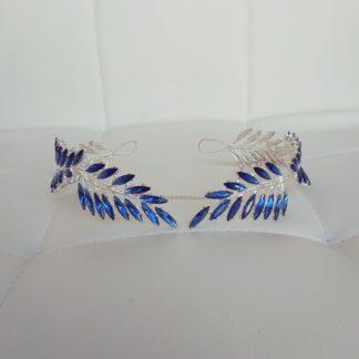 Синяя диадема в виде венка