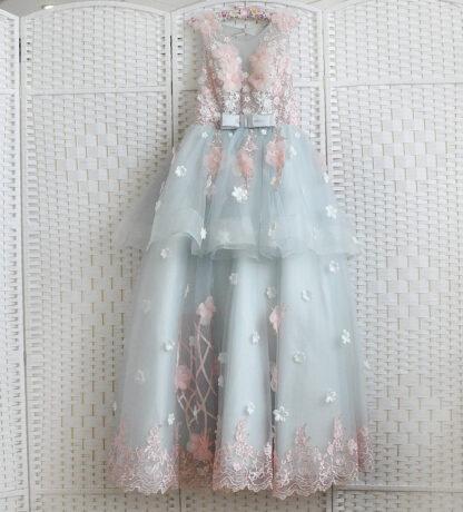 Пышное серое платье в пол