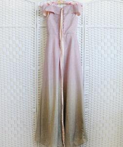Сверкающее розовое платье