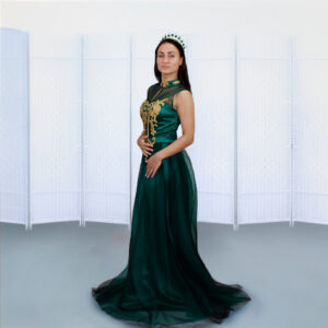 Темно-зеленое платье на выпускной вечер