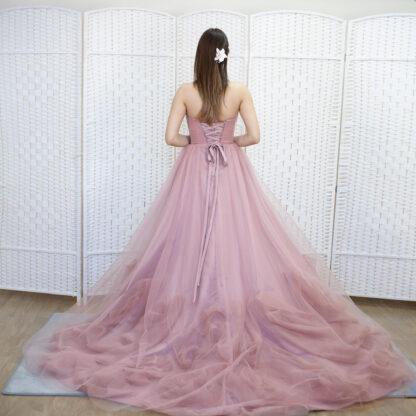 Воздушное розовое платье на выпускной