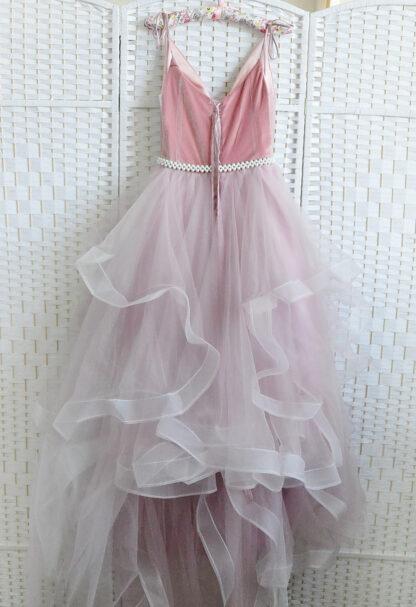 Воздушное зефирно-розовое платье