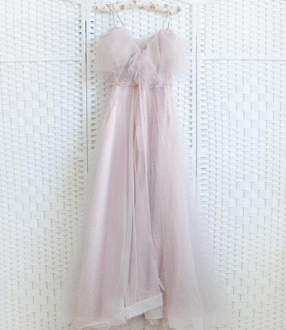 Пудрово-розовое платье на выпускной