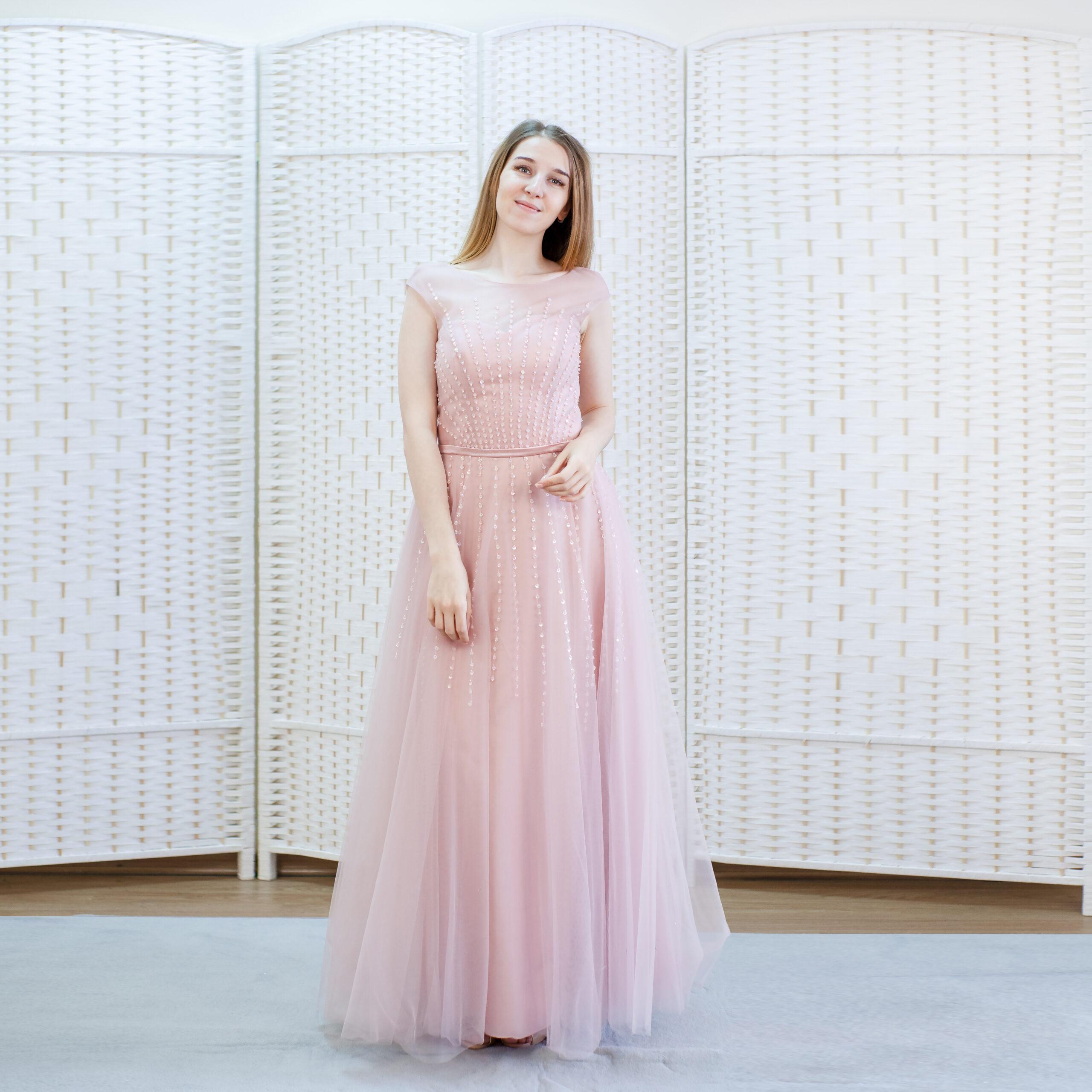 Шикарное пыльно-розовое платье