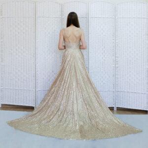 Золотое сверкающее платье в пол