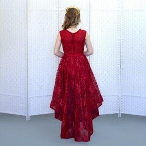 Красное платье с ассиметричной юбкой
