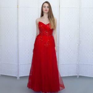 Красное пышное платье в пол