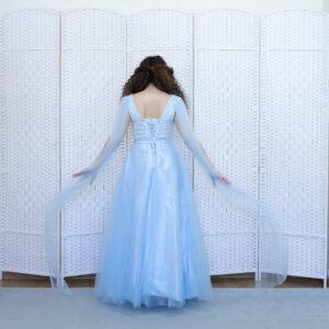 Нежное голубое платье на выпускной вечер