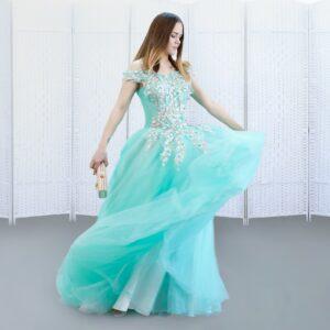 Обалденное платье в пол, красивого бирюзового оттенка.