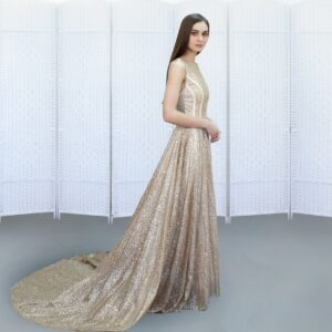 Шикарное золотое платье на выпускной вечер