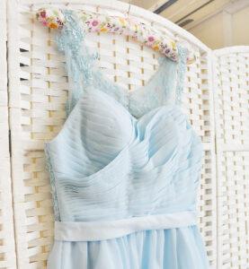 Голубое мини платье