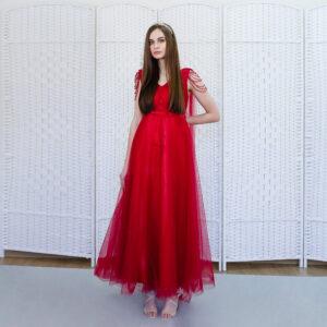 Красное платье га выпускной вечер