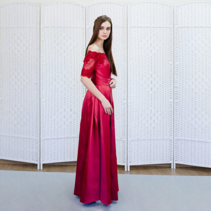 Красное платье на выпускной вечер