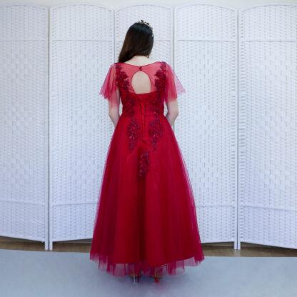 Красное платье в пол с рукавами-крылышками