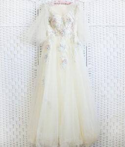 Молочное платье на выпускной вечер