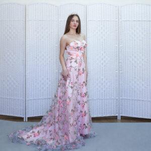 Нежно розовое платье на выпускной вечер