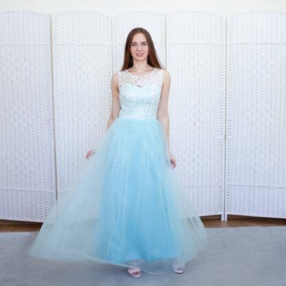 Нежное голубое платье в пол