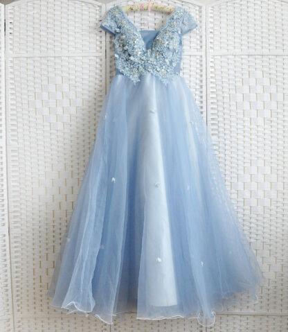 Пыльно-голубое платье на выпускной вечер