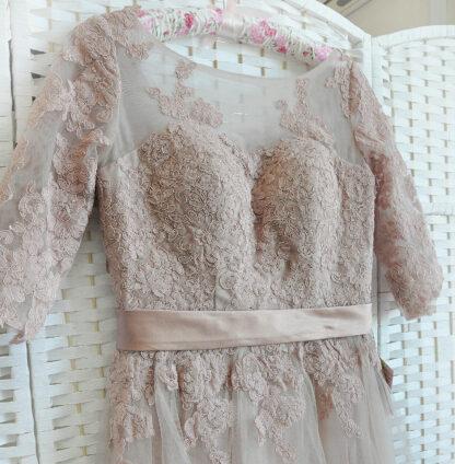 Пыльно-розовое платье на выпускной вечер