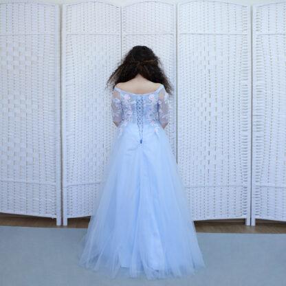 Пышное голубое платье на выпускной вечер