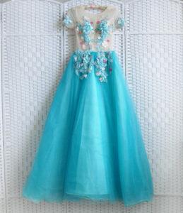 Роскошное пышное голубое платье