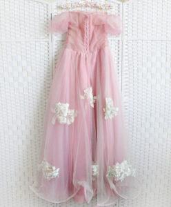 Розовое платье на впускной вечер