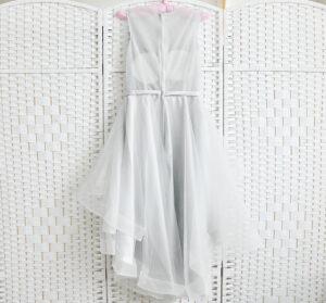Серое мини платье на выпускной вечер