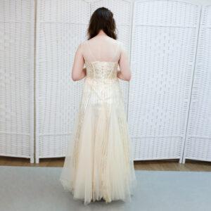 Золотое сверкающее платье